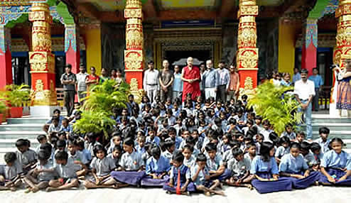 Karmapa with Children of Bodhi Tree School